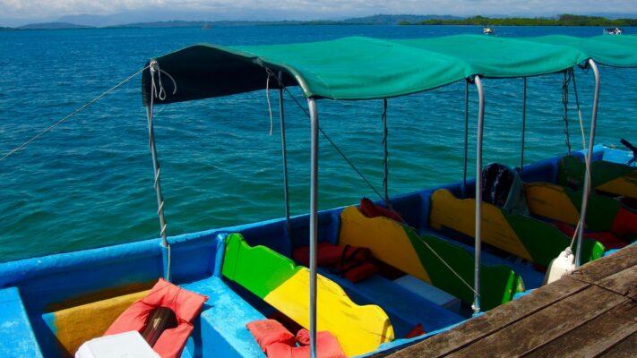 O barco onde fizemos o nosso tour de 1 dia pelas redondezas